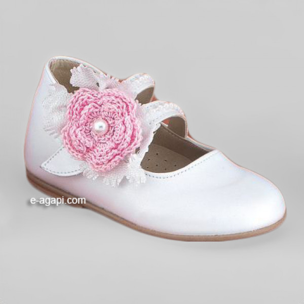 Baby girl shoes Crochet flower Toddler leather shoes White